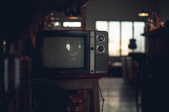 what is avant garde cinema